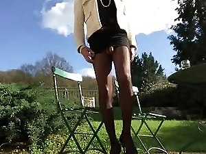 trav cd tv ts sissy collants pantyhose exib a la campagne
